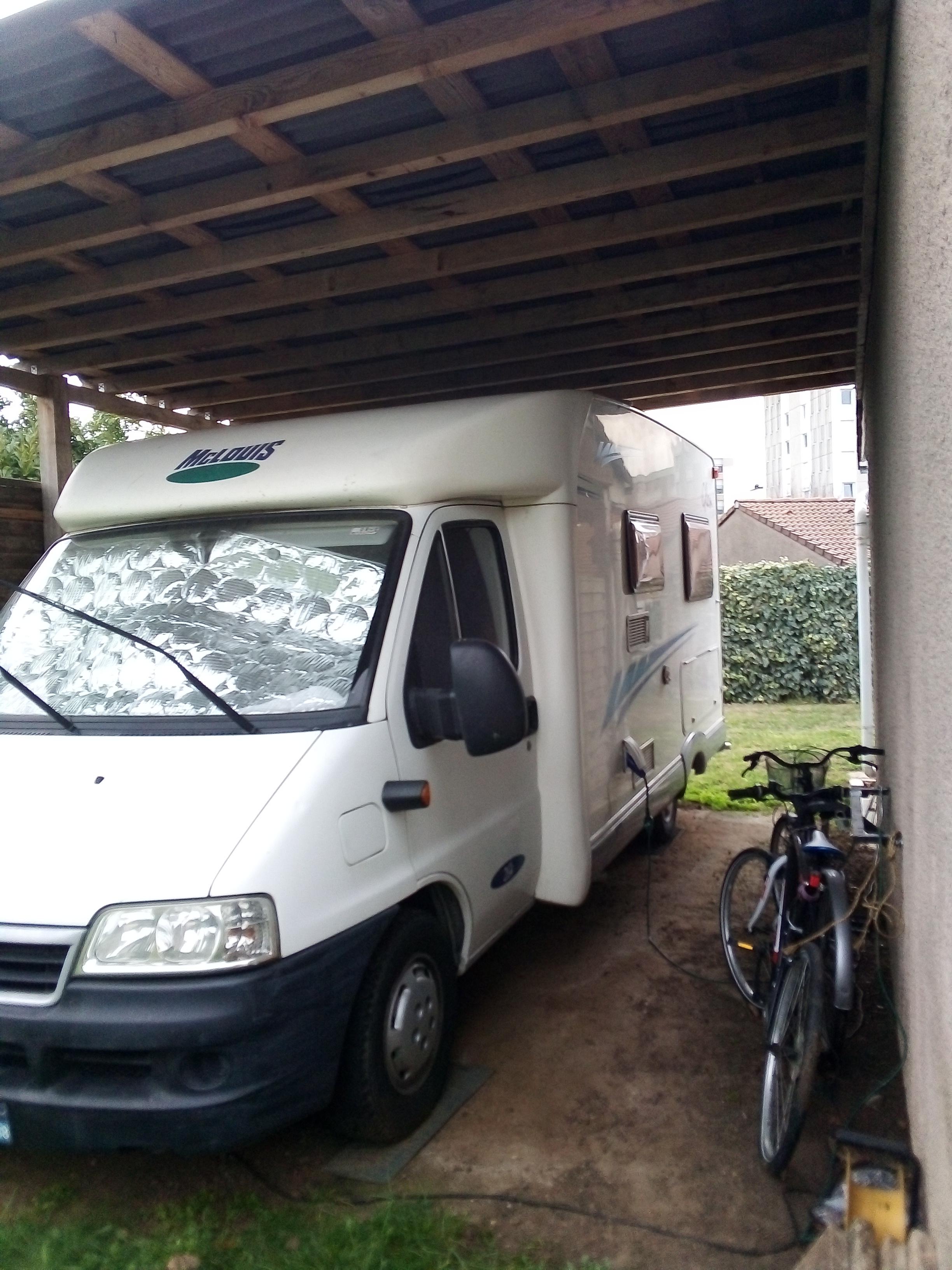 Camping car profilé Mac louis clen 264