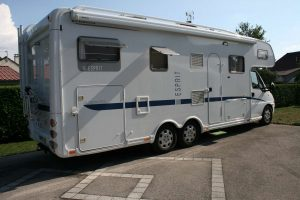 CampingCar Droite.JPG
