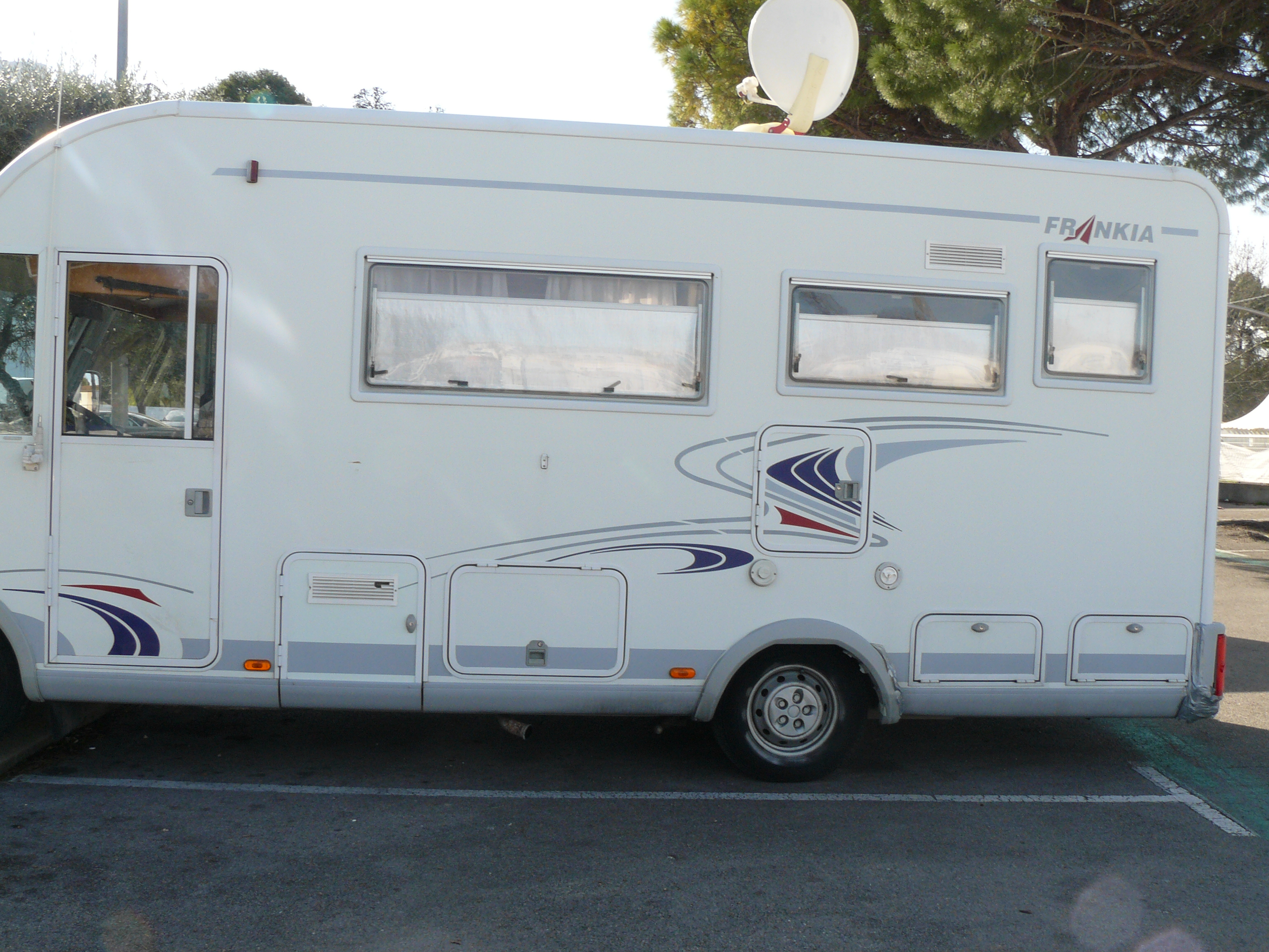 CAMPING CAR INTEGRAL FRANKIA i650