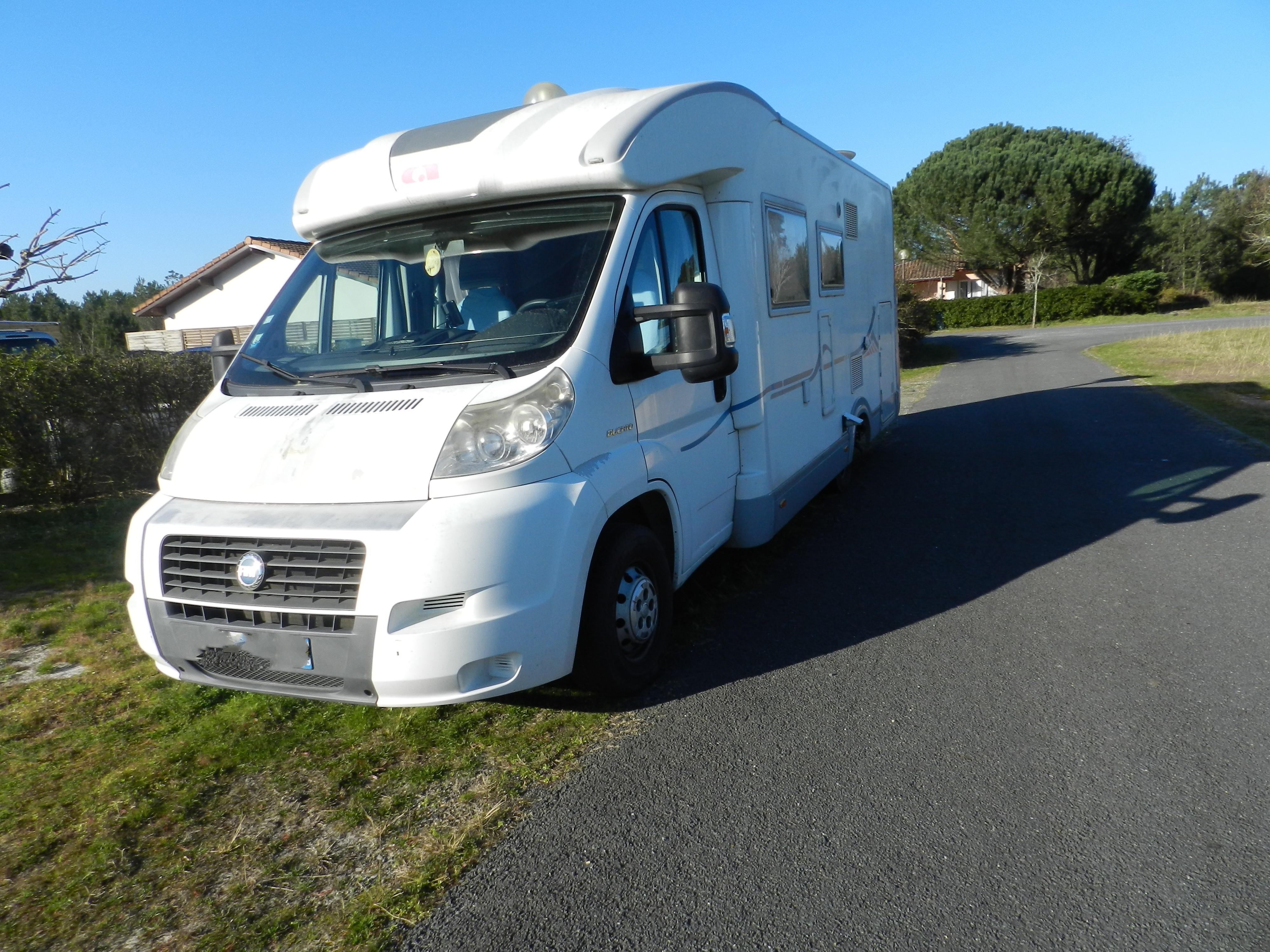 Camping car profilé ADRIA 680SP